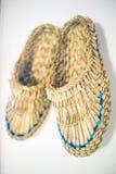 Bast skor garnering som hänger på väggen Royaltyfri Bild