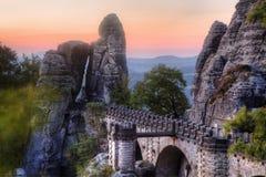Bastei桥梁在撒克逊人的瑞士在秋天,德国 图库摄影