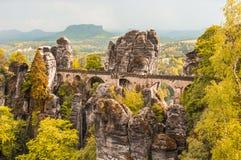 Bastei桥梁在撒克逊人的瑞士在秋天 免版税库存照片