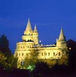 Bastião dos pescadores em a noite em Budapest Imagens de Stock