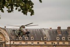 Bastilledag i Paris - 14 Juillet àParis Royaltyfria Foton