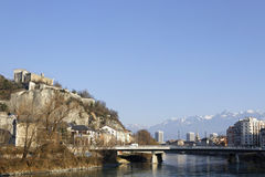 Bastillen, Isere och Belledonne spänner i Grenoble Royaltyfria Foton