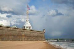 Bastion de l'impératrice Catherine The Great sous le ciel de mars St Peter et Paul Fortress, St Petersburg Photographie stock