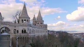 Bastione del ` s dei pescatori a Budapest archivi video