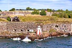 Bastioner av den finlandssvenska fästningen Suomenlinna i Helsingfors, Finland fotografering för bildbyråer