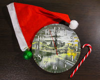 Bastoncino di zucchero, un orologio con un'immagine della città di notte di Los Angeles U.S.A. Immagine Stock