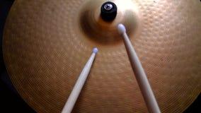 Bastone del tamburo che gioca Ciao-cappello video d archivio