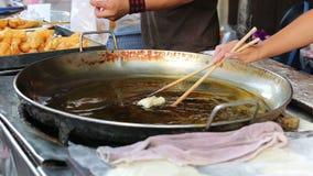 Bastone della pasta nel mercato tailandese video d archivio