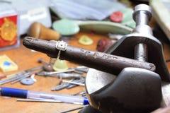 Bastone di legno dell'anello (strumento di riparazione dell'anello) Fotografia Stock Libera da Diritti