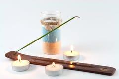 Bastone e candele sententi l'odore Fotografie Stock Libere da Diritti