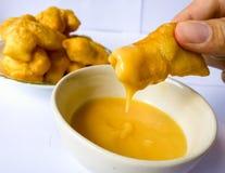 Bastone fritto in grasso bollente della pasta Immagini Stock