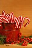 Bastones de caramelo en estaño Fotos de archivo libres de regalías