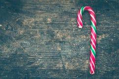 Bastones de caramelo rayados de la Navidad Foto de archivo libre de regalías