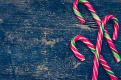 Bastones de caramelo rayados de la Navidad Imagen de archivo