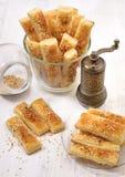 Bastoni dei savouries del pifferaio e del sesamo Fotografia Stock