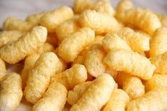 Bastoni del cereale del lotto senza zucchero e glutine su una tavola fotografia stock libera da diritti