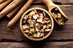 Bastoni del tè e di cannella della frutta secca Immagine Stock Libera da Diritti