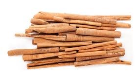 Bastoni di cannella organici crudi (cinnamomum verum) Fotografia Stock