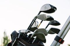 Bastoni di golf sul club di golf Immagini Stock