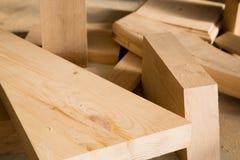Bastoni di legno su un banco Fotografie Stock
