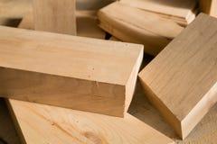 Bastoni di legno su un banco Fotografie Stock Libere da Diritti