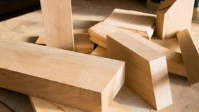 Bastoni di legno su un banco da lavoro Fotografia Stock