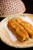 Bastoni fritti in grasso bollente della pasta Immagini Stock