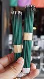 Bastoni verdi di incenso nel Giappone Fotografia Stock Libera da Diritti