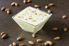 Basundi è un dessert ricco e delizioso dalla maharashtra, gujara Immagine Stock
