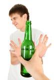 Basura del adolescente un alcohol Imágenes de archivo libres de regalías
