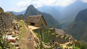 Basura en Machu Picchu Perú almacen de metraje de vídeo