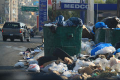 Basura que invade Líbano Fotos de archivo