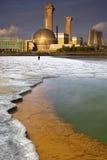 Basura tóxica - contaminación industrial   Foto de archivo