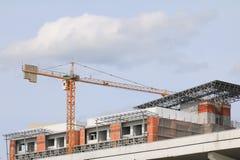 Basztowego żurawia przemysłu budowy budynków miejsca miasto Obrazy Royalty Free