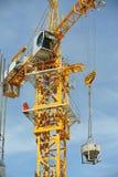 Basztowy żuraw używać podnosić ciężkiego ładunek Obrazy Stock