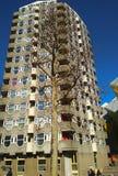 Basztowy budynek w kwadracie Rotterdam w Holland na pogodnym Luty dniu fotografia stock