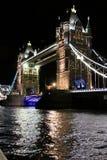 Basztowy most, Londyn nocą Zdjęcia Royalty Free
