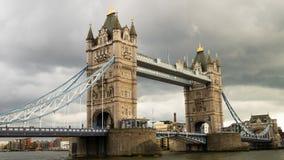 Basztowy most w chmurnym dniu Obrazy Royalty Free