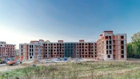 Basztowych żurawi budowy wielki budynek mieszkalny wewnątrz zdjęcie wideo