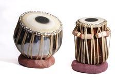 bat du tambour du tabla réglé d'isolement indien traditionnel images stock