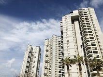 BAT YAM, ISRAELE 10 FEBBRAIO 2019: Alti edifici residenziali in Bat Yam, Israele fotografie stock