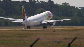 BATA a partida de Airbus A321 video estoque