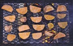 Bataatplakken op de Grill Royalty-vrije Stock Foto's