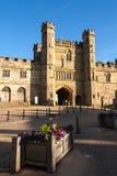 BATAILLE, SUSSEX/UK EST - 30 JUIN : Le soleil de soirée sur l'abbaye i de bataille photographie stock