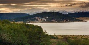 batak保加利亚水坝湖 免版税库存图片