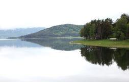 Batak水坝的镜子词 免版税库存照片