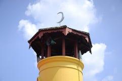 Batak Rabit清真寺尖塔在Teluk Intan,霹雳州 免版税图库摄影