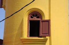 Batak Rabit清真寺尖塔窗口在Teluk Intan,霹雳州 免版税库存图片