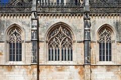 Batalha修道院 在Capela的网眼图案的哥特式窗口做Fundador 免版税库存图片