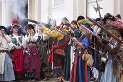 Batalha de Pavia: Meninas de Landsknechts imagens de stock